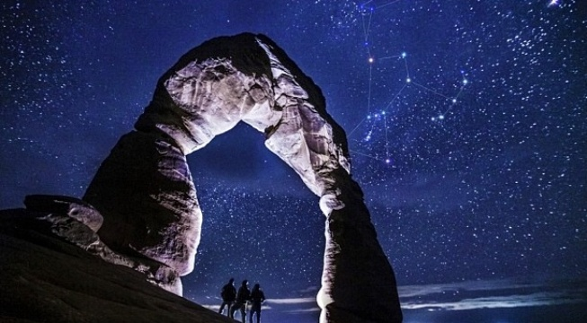 delicate arch and orion